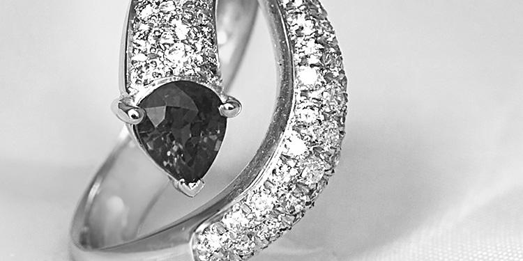 dettaglio anello collezione marys